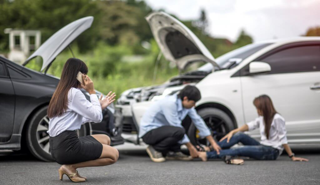 Top 5 Do's and Don'ts after Road Accident